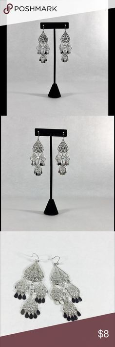 NY&CO🗽Silver Tone Chandelier✨Tear Drop💧Earrings NY&CO 🗽 silver tone chandelier tear drop 💧 earrings. Filigree design 🌹 clear stone in center. Materials unknown. Great condition. Treat yo self. New York & Company Jewelry Earrings