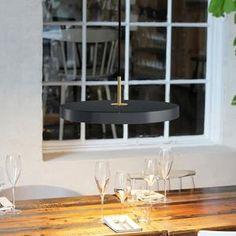 Asteria Pendant light LED by Søren Ravn Christensen for Umage buy at Connox Shop. Led Pendant Lights, Ceiling Pendant, Ceiling Lamp, Pendant Lamp, Pendant Lighting, Table Lighting, Modern Garden Design, Contemporary Design, Trendy Tree
