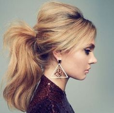 Ponytail hairstyles add stylish look in your personality and give you some perfect styles for occasion.You must try simple and easy Ponytail hairstyles. Puffy Ponytail, Messy Ponytail, Ponytail Ideas, Perfect Ponytail, Messy Hair, Retro Ponytail, Voluminous Ponytail, Blonde Ponytail, Hair Beauty