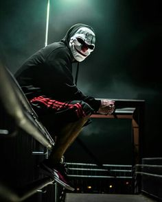 """""""Are hackers a threat? The degree of threat presented by any conduct, whether legal or illegal, depends on the actions and intent of the individual and the harm they cause. Hacker Wallpaper, Screen Wallpaper, Smoke Wallpaper, Dark Photography, Creative Photography, Samourai Tattoo, Badass Drawings, Anonymous Mask, Creepy Clown"""