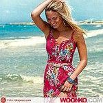 Bar Refaeli a Marbella per la campagna estiva Fox Clothing