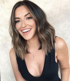 15 Volume Boosting Haircuts for 2020 Even Dolly Parton Would Approve Of - Haare Stylen Volume Haircut, Hair Volume, Medium Hair Styles, Curly Hair Styles, Medium Curly, Medium Layered, Brown Hair Medium Length, Hair Cut Styles, Long Layered