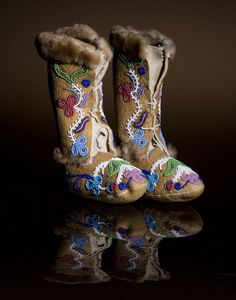 Northern Cree Child's Beaded High Top Moccasins :: From Cowans Auctions