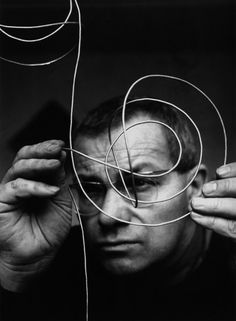 Max Bill (Winterthur, December 22, 1908-Berlin, December 9, 1994) was an architect, painter, sculptor, graphic, typographic and industrial designer, publicist and Swiss educator. He studied at the Kunstgewerbeschule in Zurich and at the Bauhaus in Dessau.
