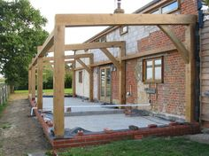 lean to Garden room oak - gardenroom Curved Pergola, Pergola With Roof, Patio Roof, Backyard Patio, Pergola Plans, Oak Framed Extensions, House Extensions, Kitchen Extensions, Courtyards