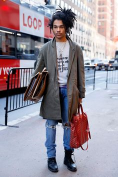 From classic tailoring to experimental streetwear, Vogue recaps the best style moments from multi-hyphenate, Luka Sabbat Hipster Grunge, Grunge Goth, Mode Masculine, Look Fashion, Fashion Outfits, Sporty Fashion, Ski Fashion, Petite Fashion, Curvy Fashion