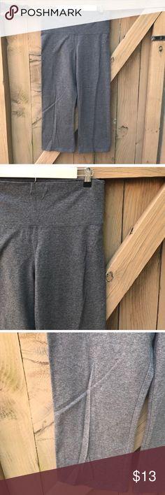 Size M Victoria's Secret grey yoga capris Size M Victoria's Secret grey yoga capris Victoria's Secret Pants Capris