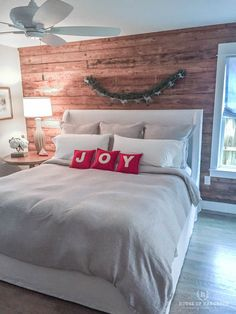 Today I am sharing part 2 of the McKinney Holiday Home Tour. This home is a new build farmhouse that incorporates lots of vintage charm.