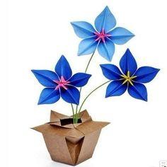 paper flowers - via @Craftsy