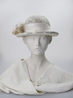 Beige/ivory lace and parisisal narrow-brimmed hat with ivory silk band. Summer wear | Label: Judy Bentinck | Made in England