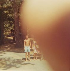 Attach of the Giant Fingers! Ruined photos from Erik Kessel pics) Photo Series, Photo Book, Photography Illustration, Art Photography, Viviane Sassen, Bad Photos, Good Old Times, Its Nice That, Family Album