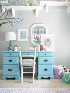 girls blue desk - looks just like our desk from gladys