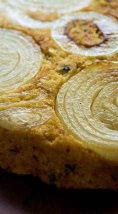 Upside Down Sweet Onion Cornbread (Baking Sweet Onion) Cornbread Cake, Cornbread Recipes, Fried Cornbread, Mexican Cornbread, Biscuits, Muffins, Onion Recipes, Corn Recipes, Portuguese Recipes