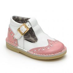 Girls buckle shoes.