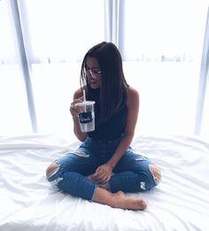 """5,046 curtidas, 43 comentários - Álice Vivianny (Álice Vivianny Vieira) no Instagram: """"de boinha aqui no hotel @hotelbrasiltropical esperando o tempo passar #qgdfb #qg #dfhouse"""""""