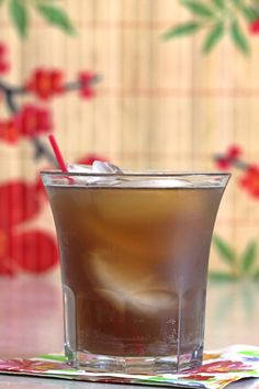 Tennessee Tea cocktail drink recipe with Jack Daniel's, triple sec, sour mix and cola.