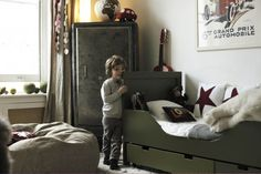 What a grown up room for a little man... so cute!