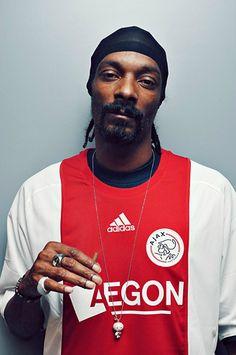 Snoop by Ilja Meefout