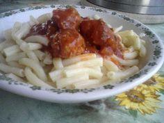 spaghetti sauce with dumpling and pasta - spagetti szószos gombóc tésztával