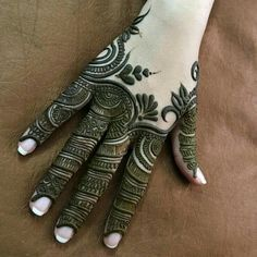 Mehndi design makes hand beautiful and fabulous. Here, you will see awesome and Simple Mehndi Designs For Hands. Henna Hand Designs, Dulhan Mehndi Designs, Finger Mehendi Designs, Mehndi Designs For Girls, Mehndi Designs For Beginners, Modern Mehndi Designs, Mehndi Design Pictures, Wedding Mehndi Designs, Mehndi Designs For Fingers