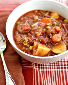 Hearty Vegetable Stew Hearty Vegetable Stew…substituted a zucchini for celery and corn for peas, plus added some beef stew. Vegan Stew, Vegan Soups, Vegan Dishes, Vegetable Recipes, Vegetarian Recipes, Healthy Recipes, Vegetarian Stew Crockpot, Vegetable Stew Crockpot, Dulce De Leche