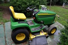 PERSONAL PROPERTY AUCTION featuring 2007 Lincoln Town Car, John Deere Riding Mower, Antiques, Patio Furniture & more! 5085 Hwy 49W, Springfield, TN. BID NOW ONLINE ONLY UNTIL Tuesday, August 4th @ 7:00 PM.  - See more at: http://comasmontgomery.com/index.php?ap=1&pid=44388  #online #auction #personal #property #lincoln #town #car #forsale #automobile #used #oneowner  #antiques #furniture #patio #collectibles #tools #appliances