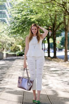 white peplum shirt, white jeans, and green heels Love Fashion, Fashion Models, High Fashion, Autumn Fashion, Fashion Bloggers, Fall Outfits, Casual Outfits, Summer Outfits, Cute Outfits