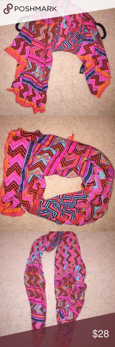 Stella and Dot Aztec scarf Stella and Dot Aztec scarf. Gorgeous colors and so versatile. Stella & Dot Accessories Scarves & Wraps