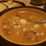 Cuban Caldo Gallego Soup is delicious and healthy. Serve it with some Cuban bread and enjoy! Garbanzo Bean Recipes, Cooking Garbanzo Beans, Bean Soup Recipes, Spanish Bean Soup Recipe, Spanish Beans, Garbonzo Beans, Cuban Dishes, Cuban Recipes, Tapas Recipes