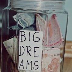 Juntar dinheiro é um desafio para você? Nesse post você conhece o desafio das 52 semanas que vai te ajudar a economizar R$6.890 em um ano!