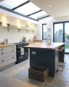 24 interior design large open plan kitchen diner extension i Large Open Plan Kitchens, Open Plan Kitchen Diner, Kitchen Diner Extension, Open Plan Kitchen Living Room, Home Decor Kitchen, New Kitchen, Kitchen Interior, Kitchen Ideas, Kitchen Diner Designs