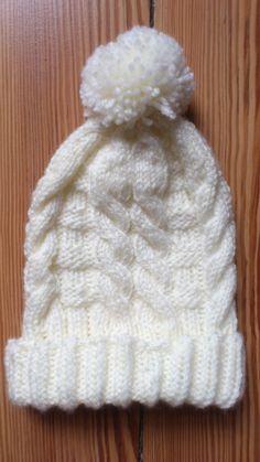 Mütze mit Zopfmuster stricken