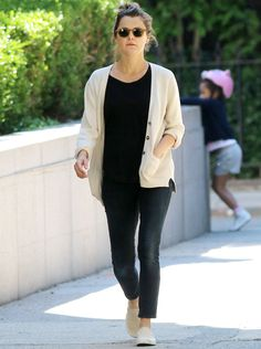 Keri Russell Rocks Skinny Jeans Two Weeks After Giving Birth, Looks Amazing from InStyle.com