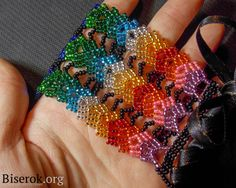 Russian Master Class for Rainbow bracelet.  Needs translation but detailed pix.  #Seed #Bead #Tutorials