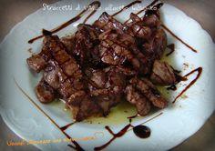 Vi è mai capitato di andare di fretta e non sapere cosa preparare per pranzo o cena? Questa ricetta fa per voi: straccetti di vitello all'aceto balsamico!