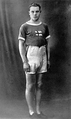 Olympic fashion: 1924 Olympic Games, Paris: Paavo Nurmi of Finland, Olympic champion