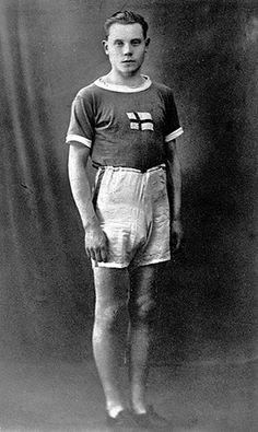 Olympic fashion: 1924 Olympic Games, Paris: Paavo Nurmi of Finland, Olympic champion