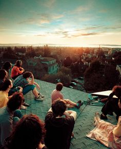 sunrise between friends on a rooftop, sunset photo by david wallace Snowdonia, Les Transformations, Bon Iver, Summer Goals, Photos Voyages, Summer Bucket Lists, Teenage Bucket Lists, Jolie Photo, Grand Tour