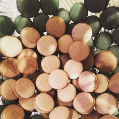 Bom dia sexta-feira! #maymacarons #macarons #chocolate #nossosmacarons #eventos #casamento