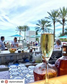 #Repost @ diplomateats with ・・・ Tonight's forecast: 99% chance of bubbles. #champagning #diplomatdrinks #HollywoodTapFL #HollywoodFlorida #HollywoodFL #HollywoodBeach #DowntownHollywood #Miami #FortLauderdale #FtLauderdale #dania #daniabeach #Aventura #Hallandale #hallandalebeach #Pembrokepines #miramar #broward  (at The Diplomat Beach Resort)