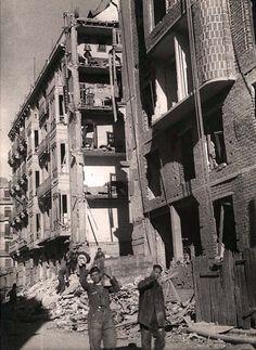 Calle Altamirano, Madrid - Portal Fuenterrebollo. Maria's Madrid was one of bomb…