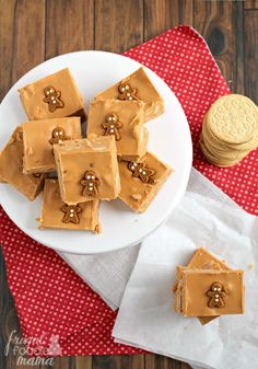 ... this Gingerbread Oreo Fudge is the perfect last minute holiday treat