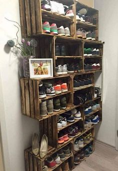 Easy DIY Shoe Rack Ideas You Can Build on a Budget - Love the idea for shoe storage rack using rustic crates Baby Shoe Storage, Closet Storage, Bedroom Storage, Closet Organization, Shoe Closet, Organization Ideas, Diy Bedroom, Bedroom Ideas, Diy Shoe Organizer
