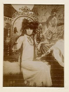 Studie pro tabuli v Documents Décoratifs Alphonse Mucha, Art Nouveau, Margaret Bourke White, Art Deco Paintings, Celebrity Photographers, Female Images, Art And Architecture, Vintage Art, Art Decor