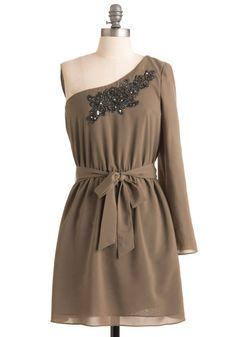love one shoulder dresses!!