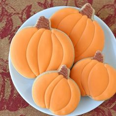 Pumpkin Spice Cutout Cookies - Glorious Treats - - This recipe for Pumpkin Spice Cutout Cookies is a delicious variation on traditional sugar cookies. These are the perfect cookie for fall! Cut Out Cookie Recipe, Cut Out Cookies, Sugar Cookies Recipe, Cupcake Cookies, Cookie Recipes, Cookie Ideas, Cocoa Cookies, Baking Cookies, Cookie Designs