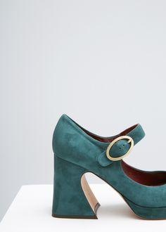 908a765cf6214e Les 21 meilleures images de shooz | Loafers & slip ons, Boots et Clothes