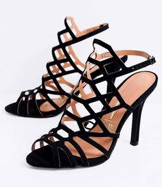 Sandália feminina  Salto alto  Com tiras  Marca: Vizzano  Material: sintético     COLEÇÃO VERÃO 2016     Veja outras opções de    sandálias femininas.          Sobre a marca Vizzano     Para oferecer a beleza que as mulheres tanto querem, é essencial ter estilo. A Vizzano reúne as principais tendências de moda para que as mulheres possam desfilar toda a sua feminilidade em qualquer situação. Trabalhando com luxo e glamour em cada detalhe, os calçados femininos da Vizzano são criados para…