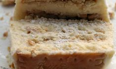 Kορμός με μπισκότα και κρέμα σαν μιλφέιγ από την Ιωάννα Σταμούλου και το «Sweetly » ! Banana Bread, Kai, Desserts, Food, Tailgate Desserts, Deserts, Essen, Postres, Meals