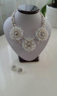 Seme perline fiori collana e orecchini set